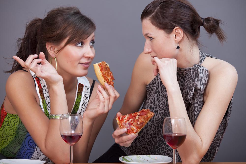 Почему после спиртного хочется есть | Наука и жизнь