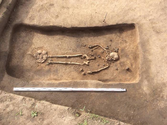 Погребение молодой женщины, найденное в Суздальском Ополье. (Фото: Институт археологии РАН.)