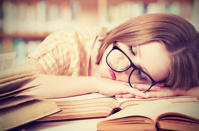 Может ли мозг учить язык во сне?