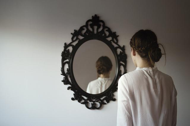 Местоимение «ты» помогает нам посмотреть на себя со стороны. (Фото: Sandra Montesinos / Flickr.com.)