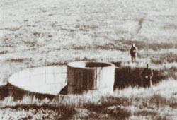 Начало строительства Крымской ВЭС по проекту Кондратюка в Ялте, 1938 год: уже заложен фундамент.