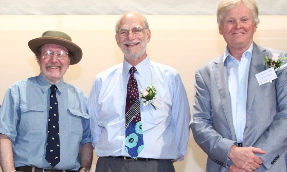 Джеффри Холл, Майкл Росбаш и Майкл Янг. (Фото: Chinese University Of Hong Kong Handout / EPA.)