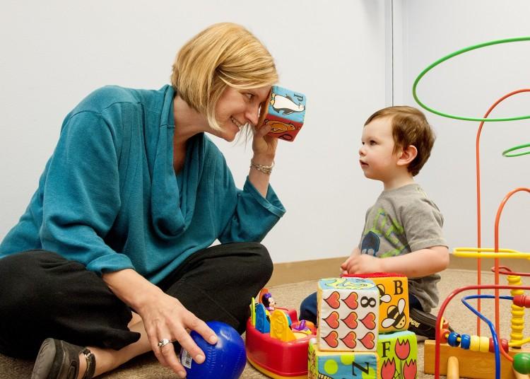 Аутизм можно диагностировать у младенцев | Наука и жизнь