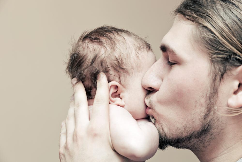 На сыновей и дочерей отцы смотрят по-разному | Наука и жизнь