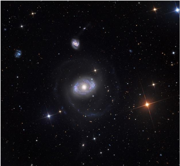 Изменчивое окружение сверхмассивной чёрной дыры | Наука и жизнь