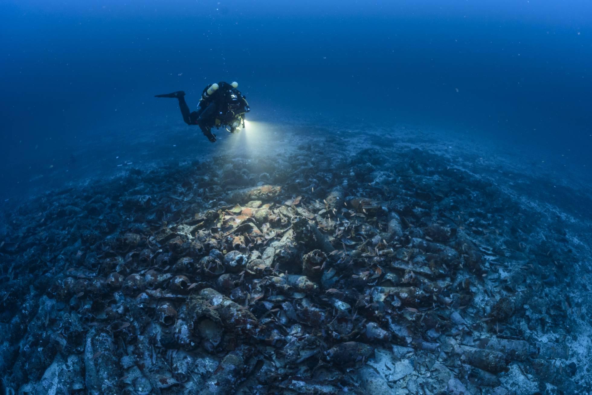 Недалеко от майорки нашли затонувший античный корабль наука .