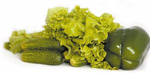 Тёмно-зелёные и листовые овощи богаты железом и кальцием, жёлтые и красные — источники каротиноидов.