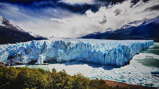 Ледник в национальном парке Лос-Гласьярес в аргентинских Андах. (Фото: Anthony Maw / Flickr.com.)