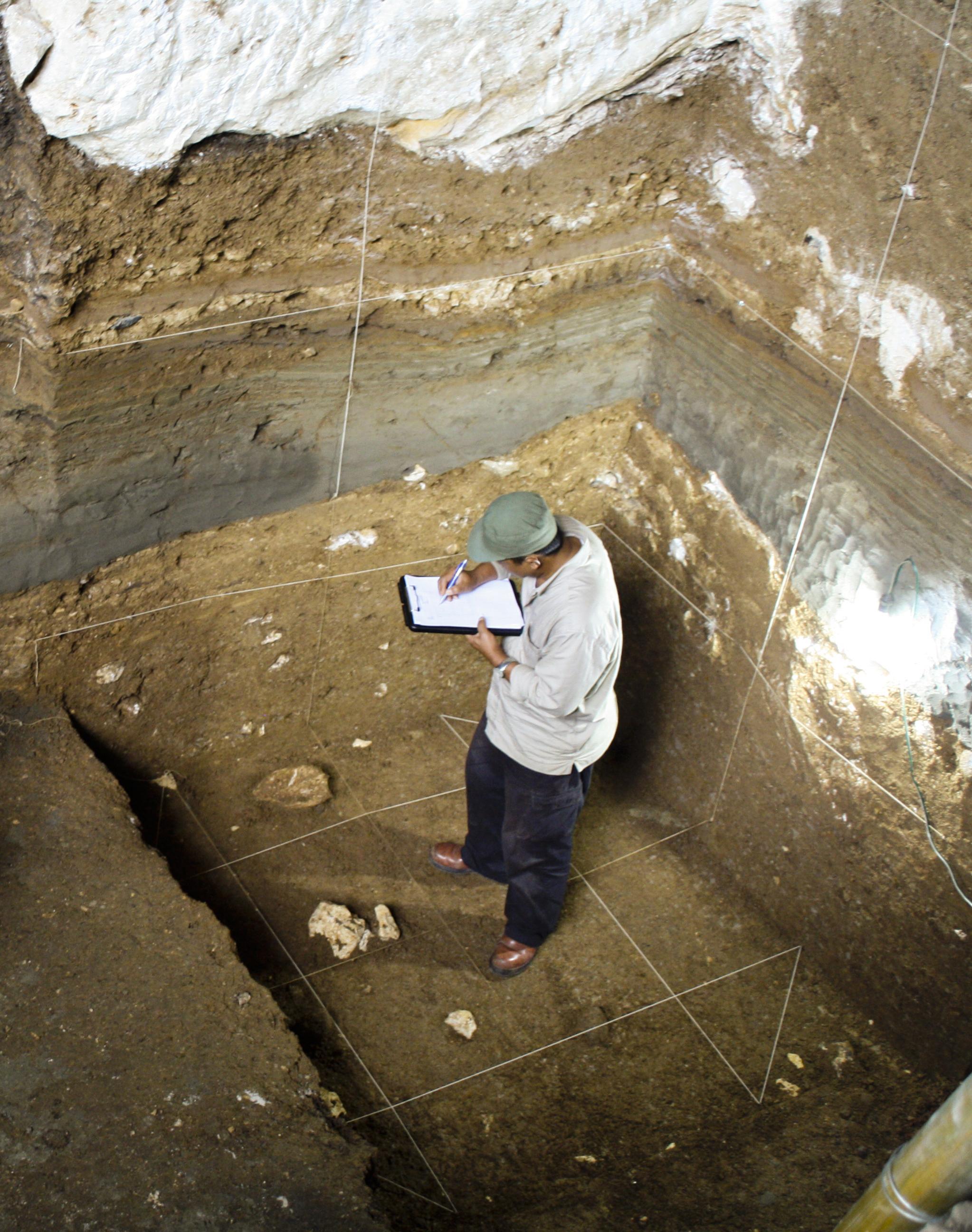 Раскопки в пещере Лянг Буа. Фото: Dr. Hanneke Meijer.