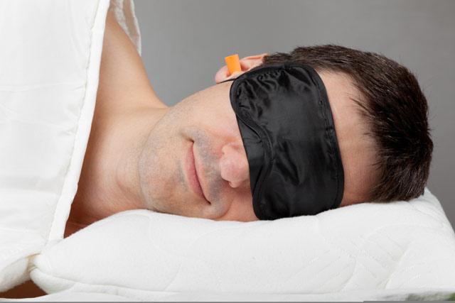 Перед тем, как лечь спать, желательно определиться со смыслом жизни. (Фото: ChamilleWhite / Depositphotos.)
